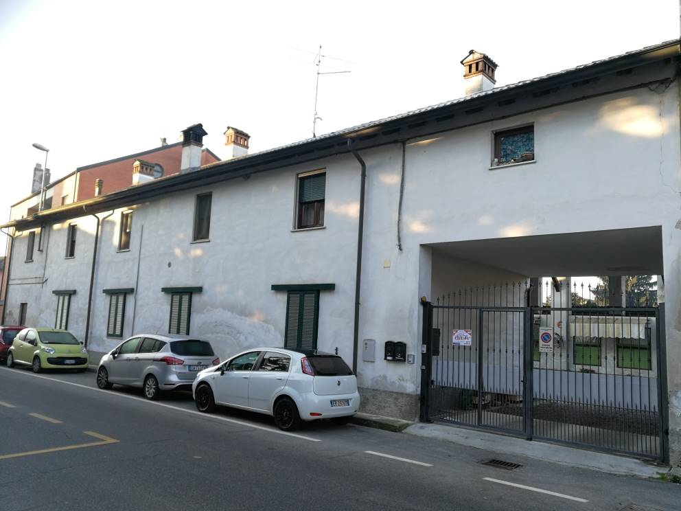 CAVIAGA, CAVENAGO D'ADDA, Semi detached house for sale of 150 Sq. mt., Habitable, Heating Individual heating system, Energetic class: E, placed at 1°