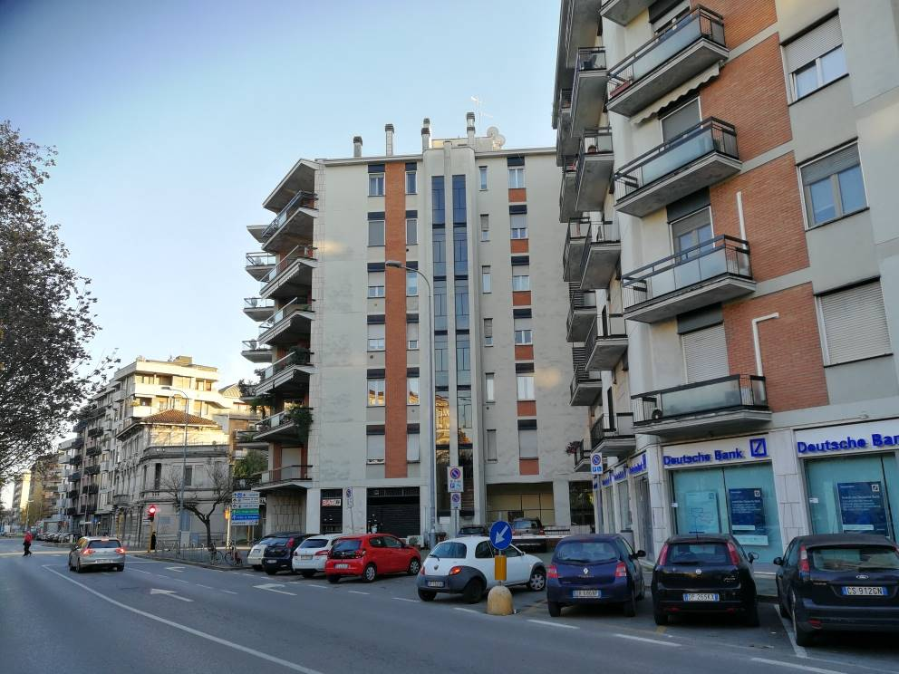 SEMICENTRO, LODI, Apartment for sale of 62 Sq. mt., Be restored, Heating Individual heating system, Energetic class: D, placed at 4° on 6, composed