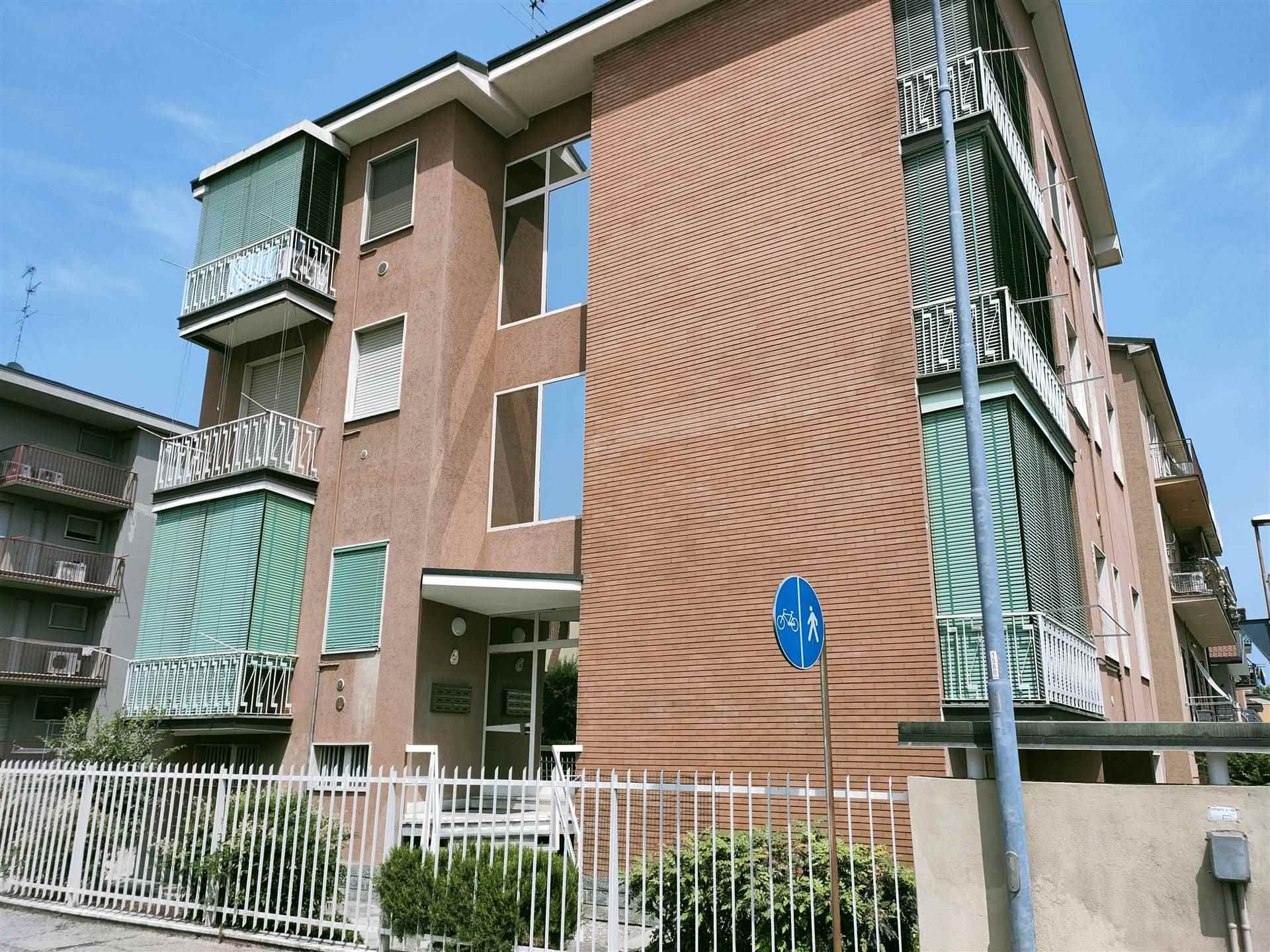 LODICITTA, LODI, Apartment for sale, Habitable, Heating Individual heating system, Energetic class: G, Epi: 234,96 kwh/m2 year, placed at 1° on 3,