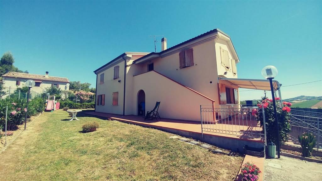 Villa, Mazzangrugno, Jesi, in ottime condizioni