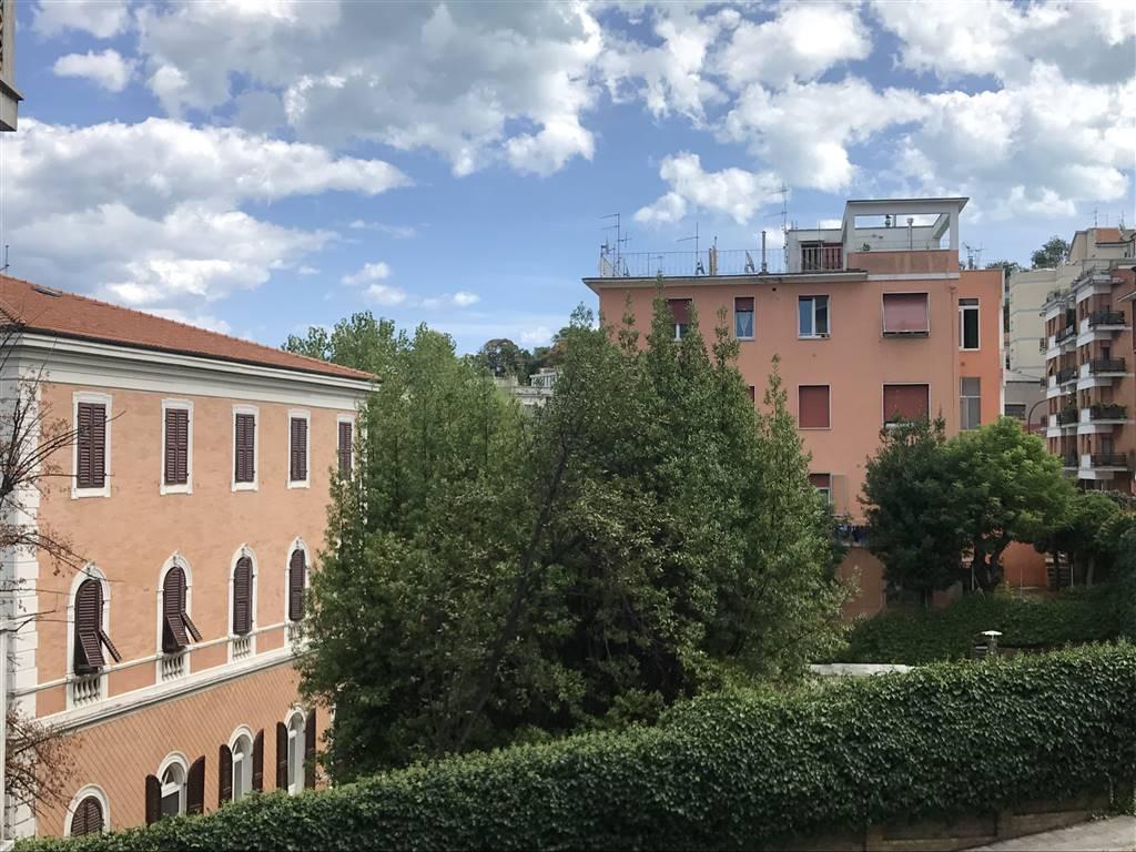 Quadrilocale, Centro, Ancona, da ristrutturare