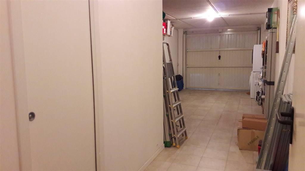 Vendita appartamento jesi in ottime condizioni piano for Appartamento garage a piano singolo