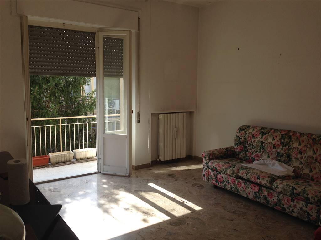 Appartamento in vendita a jesi zona gramsci ancona rif