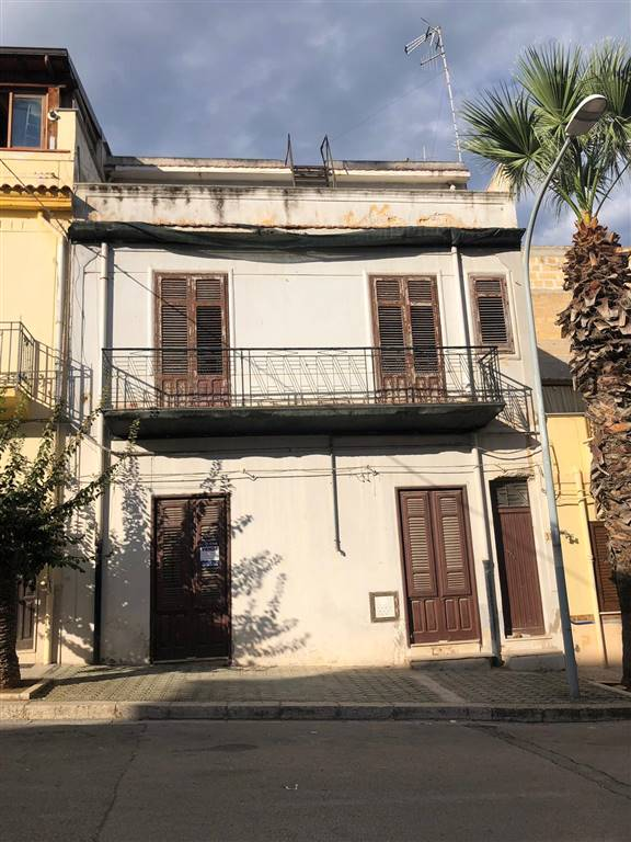 Casa singola, Balestrate, da ristrutturare