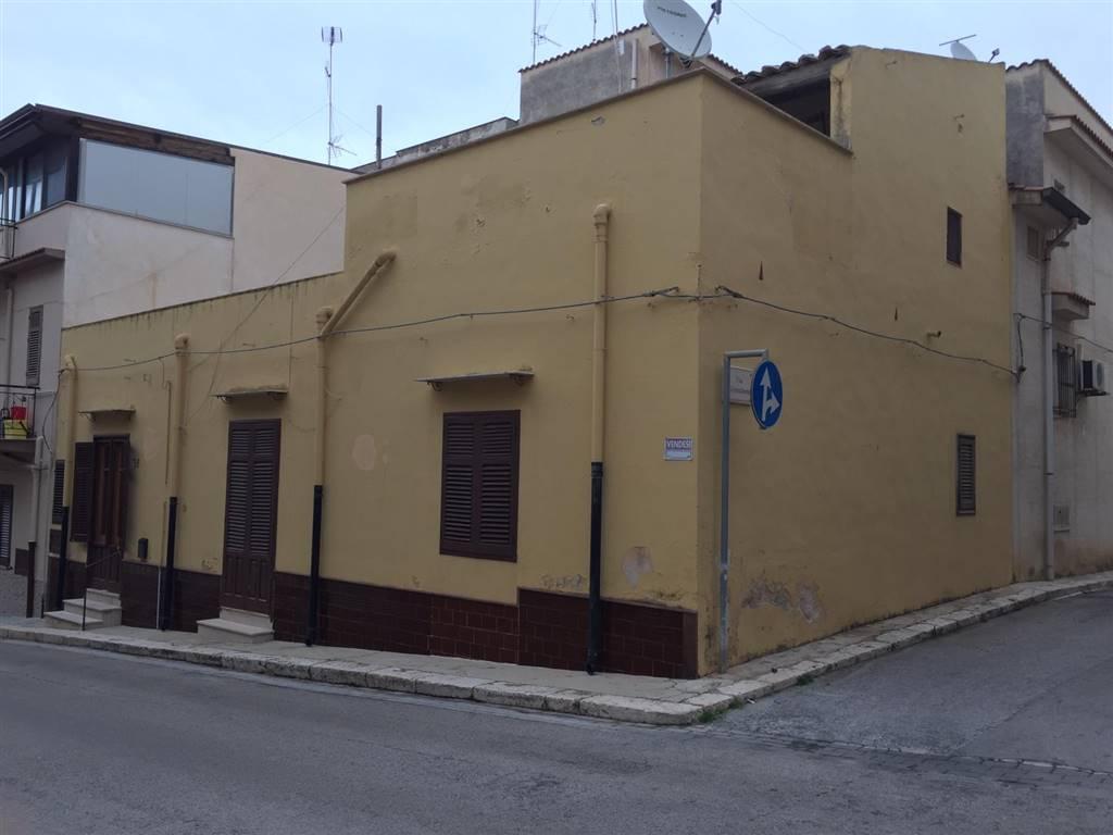Appartamento in vendita a Balestrate, 6 locali, prezzo € 89.000 | PortaleAgenzieImmobiliari.it