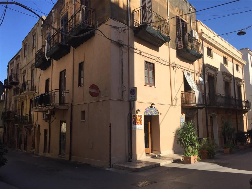 Appartamento in vendita a Castellammare del Golfo, 3 locali, prezzo € 125.000   CambioCasa.it
