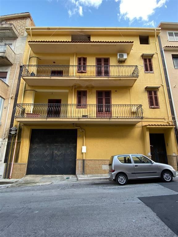 Soluzione Indipendente in vendita a Partinico, 12 locali, prezzo € 290.000   CambioCasa.it