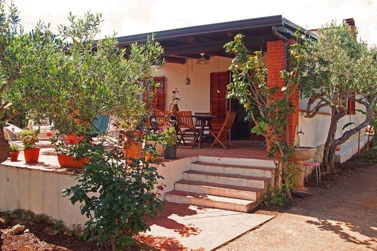 Appartamento in affitto a Castellammare del Golfo, 4 locali, zona Località: SCOPELLO, prezzo € 1.000 | CambioCasa.it