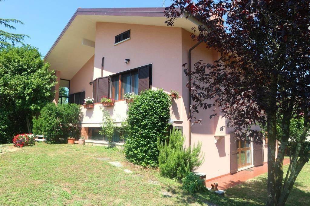 Villa a MONTECARLO