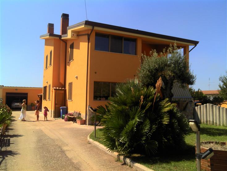 Bifamiliare, Borgo Bainsizza, Latina, ristrutturato