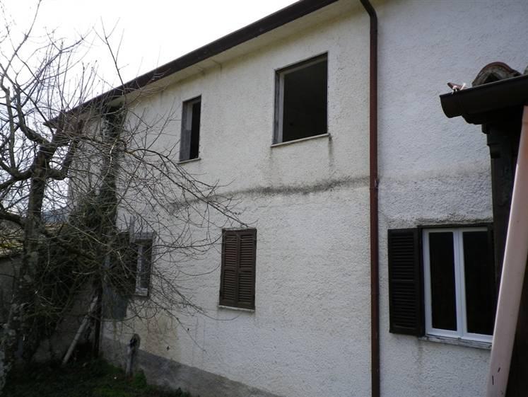Casa semi indipendente, Suso, Sezze, da ristrutturare