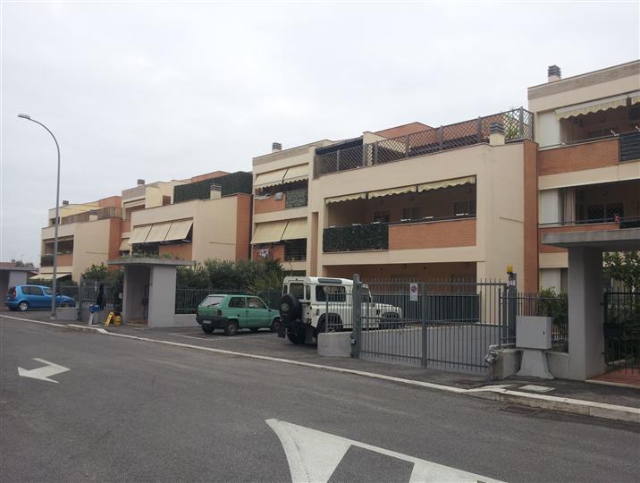 Trilocale, Borgo Sabotino, Latina, in ottime condizioni