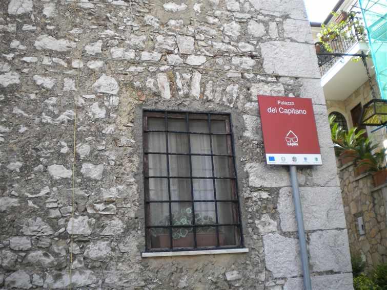 Palazzo / Stabile in vendita a Prossedi, 15 locali, zona Zona: Pisterzo, prezzo € 250.000 | CambioCasa.it