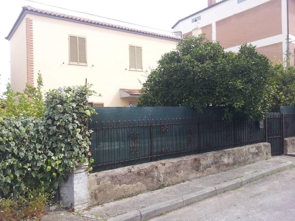 Appartamenti con camino in vendita a latina for Case in vendita con appartamento seminterrato