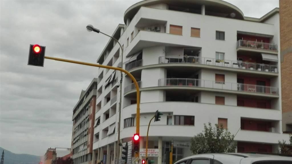 Magazzino in vendita a Latina, 1 locali, zona Località: AUTOLINEE, prezzo € 20.000   CambioCasa.it