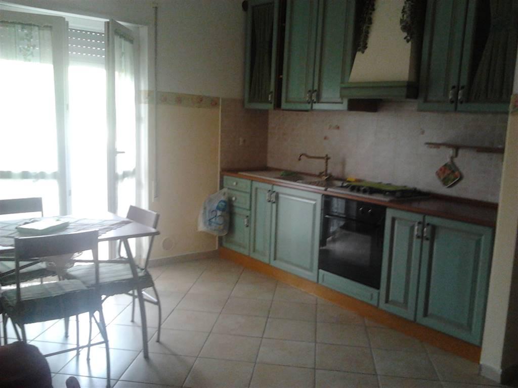 Appartamento in vendita a Sermoneta, 3 locali, zona Zona: Monticchio, prezzo € 100.000 | CambioCasa.it