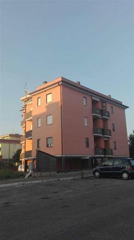 Trilocale, Borgo Carso, Latina, in ottime condizioni