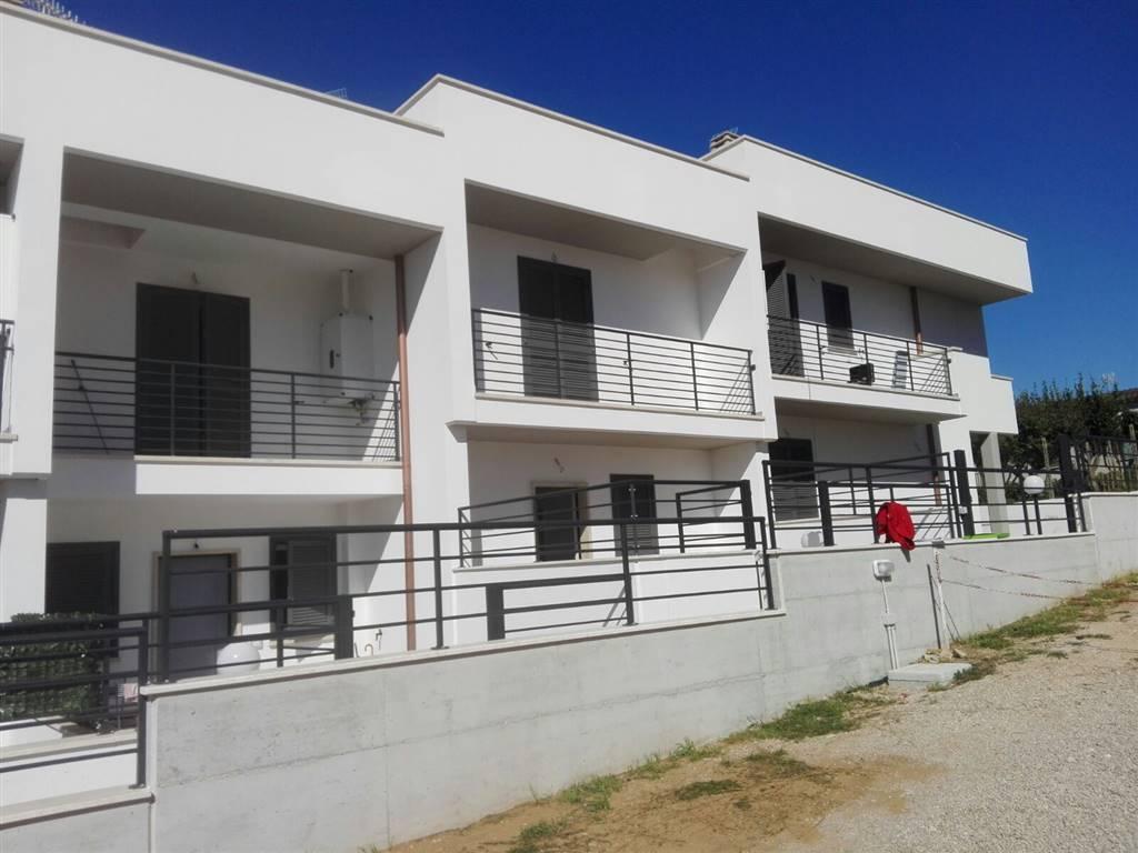Villa a Schiera in vendita a Sabaudia, 5 locali, prezzo € 320.000   CambioCasa.it