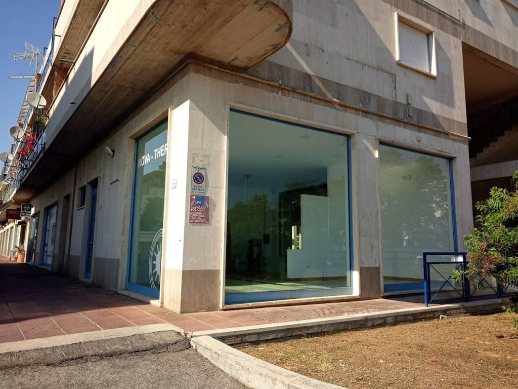 Negozio / Locale in affitto a Sabaudia, 1 locali, prezzo € 900 | CambioCasa.it