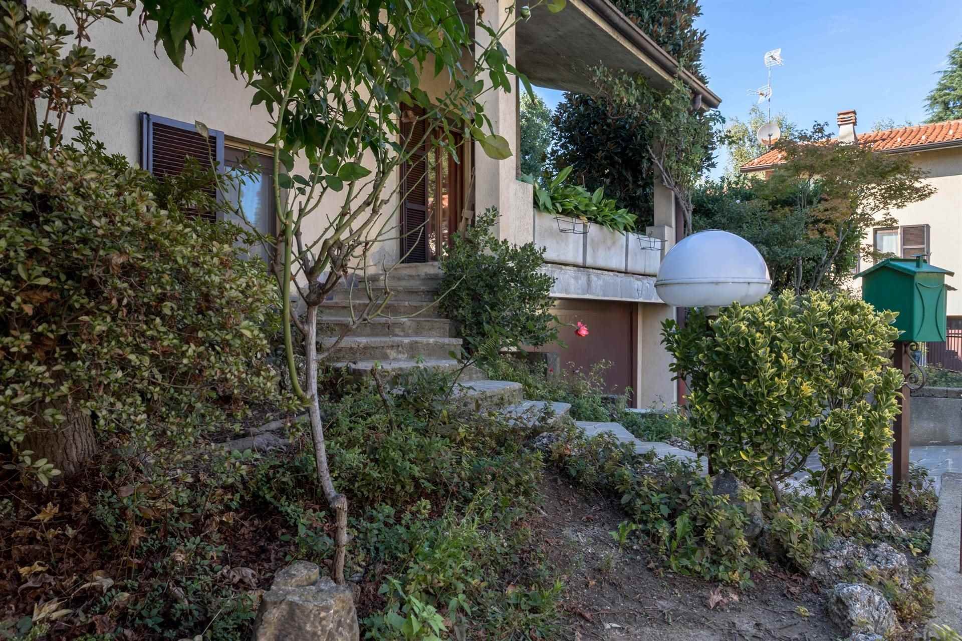 Villa Bifamiliare a Bellusco in Vendita