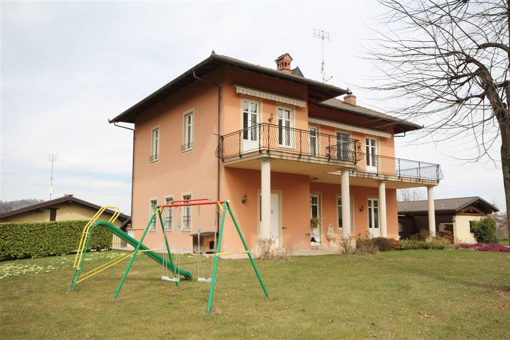 Villa in vendita a Peveragno, 7 locali, prezzo € 500.000 | PortaleAgenzieImmobiliari.it