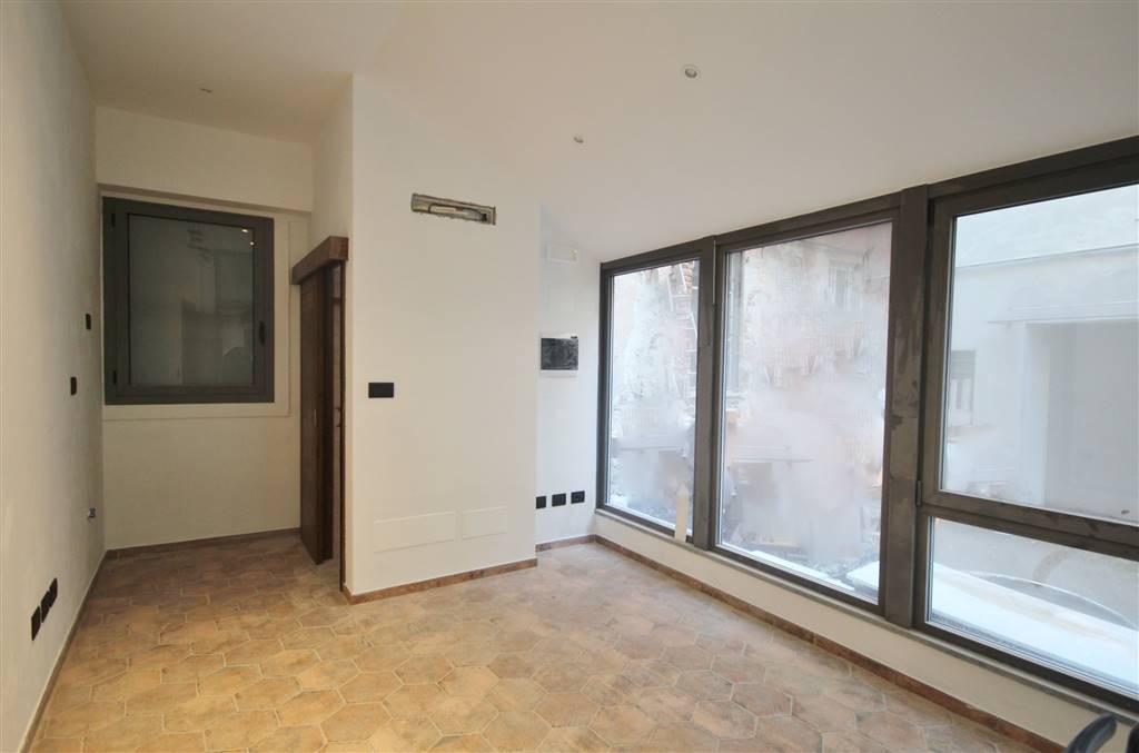 Ufficio / Studio in vendita a Cuneo, 2 locali, zona ro storico, prezzo € 100.000 | PortaleAgenzieImmobiliari.it