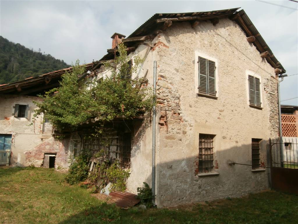 Rustico / Casale in vendita a Roccaforte Mondovì, 12 locali, Trattative riservate | PortaleAgenzieImmobiliari.it