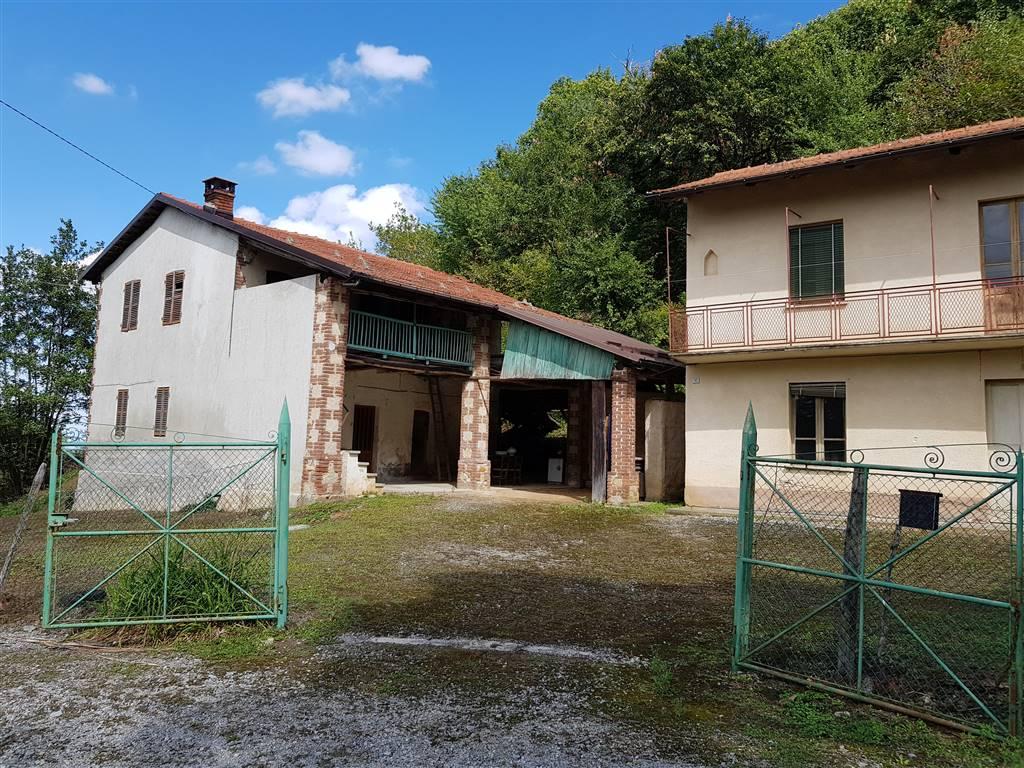 Nel comune di Peveragno proponiamo rustico con terreno di mq 10.000 idoneo ad abitazione civile o attività di B&B. Costituito da due edifici liberi