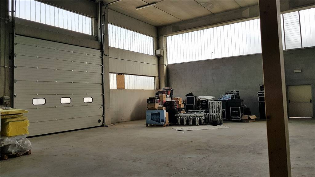 BORGO SAN DALMAZZO, Industrial warehouse for sale of 510 Sq. mt., Excellent Condition, Heating To floor, Energetic class: A1, placed at Ground,
