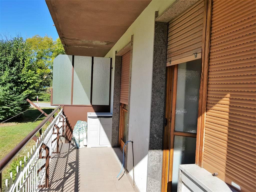 Appartamento di mq 60 composto da Ingresso, Cucina abitabile, Camera matrimoniale, Bagno, Cantina e Solaio. Posto auto all'interno del cortile