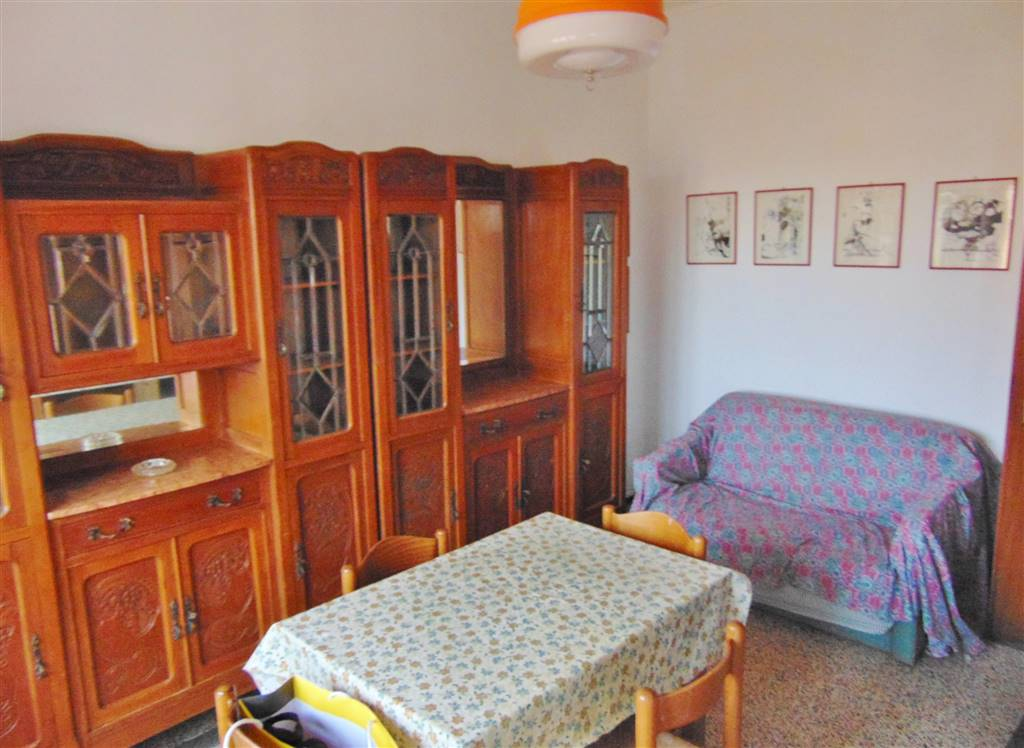 CENTRO CITTÀ, CUNEO, Apartment for rent of 60 Sq. mt., Good condition, Heating Individual heating system, Energetic class: D, Epi: 200 kwh/m2 year,