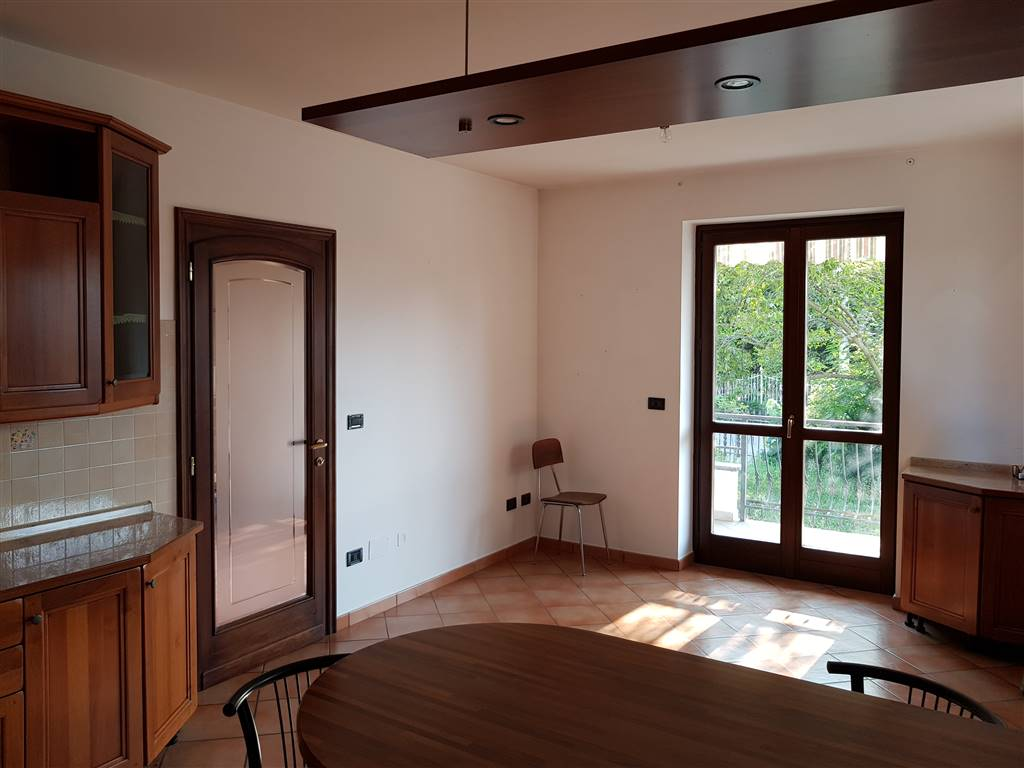 MADONNA DELLE GRAZIE, CUNEO, Apartment for sale of 160 Sq. mt., Excellent Condition, Heating Individual heating system, Energetic class: E, placed at