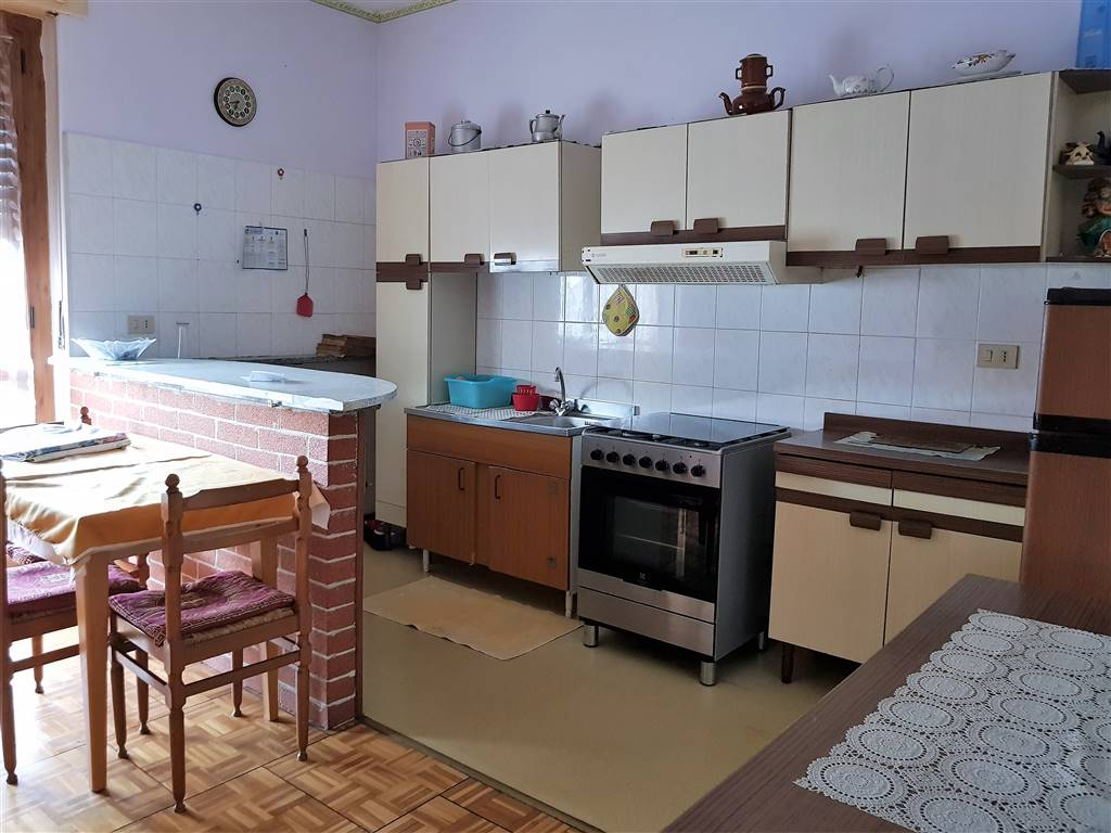 ROCCAVIONE, Apartment for rent of 60 Sq. mt., Good condition, Heating Individual heating system, Energetic class: G, Epi: 183,41 kwh/m2 year, placed