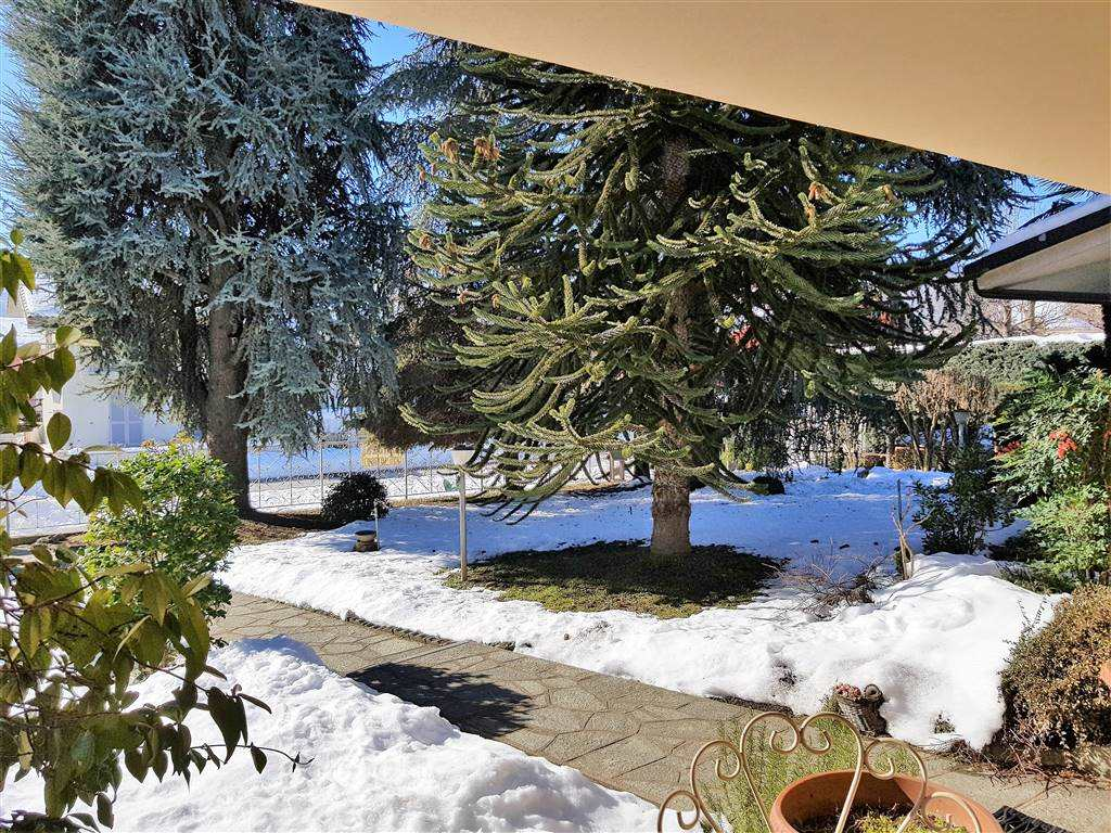 BORGO SAN DALMAZZO, Duplex villa for sale of 255 Sq. mt., Good condition, Heating Individual heating system, Energetic class: E, placed at Ground,