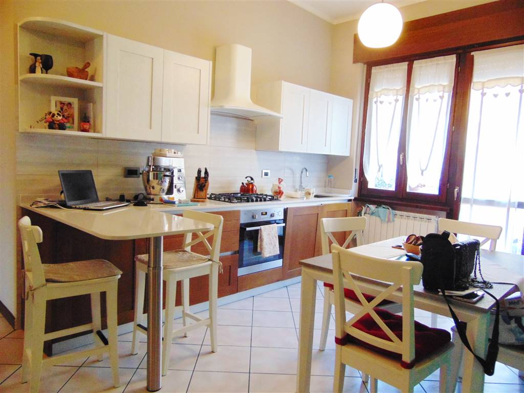CENTRO CITTÀ, CUNEO, Apartment for sale of 90 Sq. mt., Excellent Condition, Heating Individual heating system, Energetic class: G, placed at Ground,