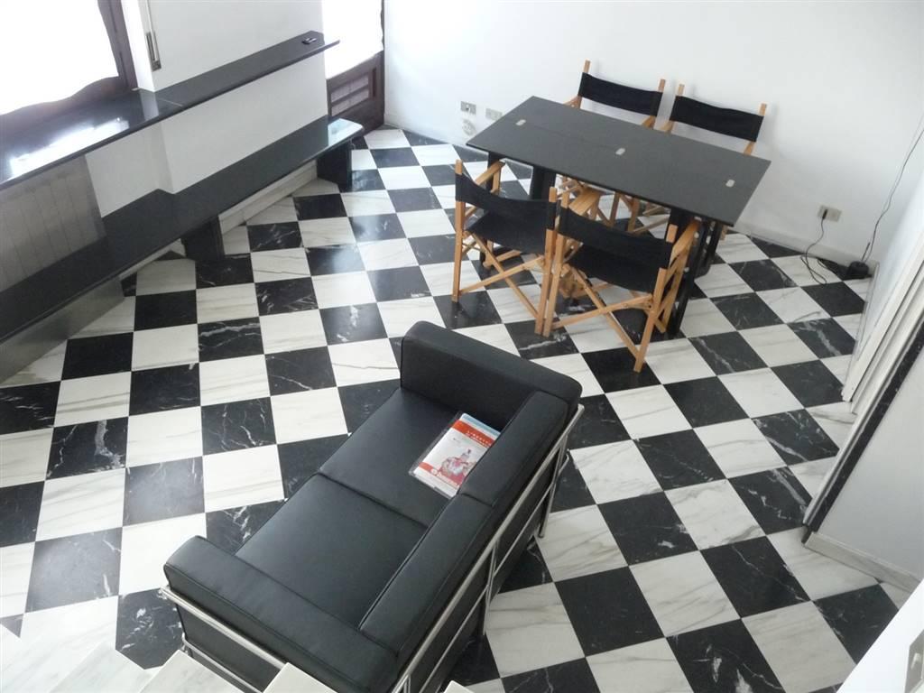 VIALE DEGLI ANGELI, CUNEO, Квартира в аренду из 65 Км, Жилое, Отопление Независимое, Класс энергосбережения: D, на земле 2° на 3, состоит из: 3