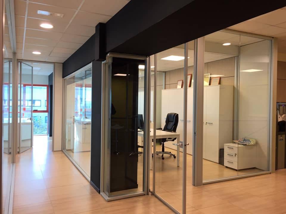 BORGO SAN DALMAZZO, Офисы в аренду из 400 Км, Отличное, Отопление Централизиванное, Класс энергосбережения: C, на земле Цокольный, состоит из: 5