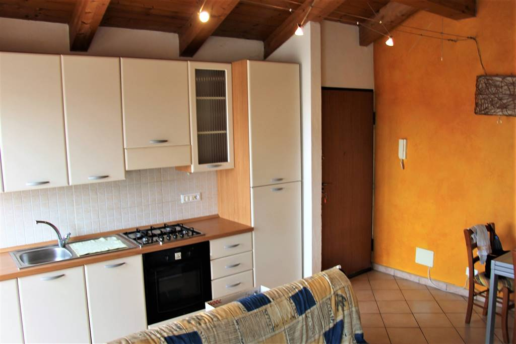 BORGO SAN DALMAZZO, Apartment for rent of 40 Sq. mt., Good condition, Heating Individual heating system, Energetic class: E, placed at 2°, composed