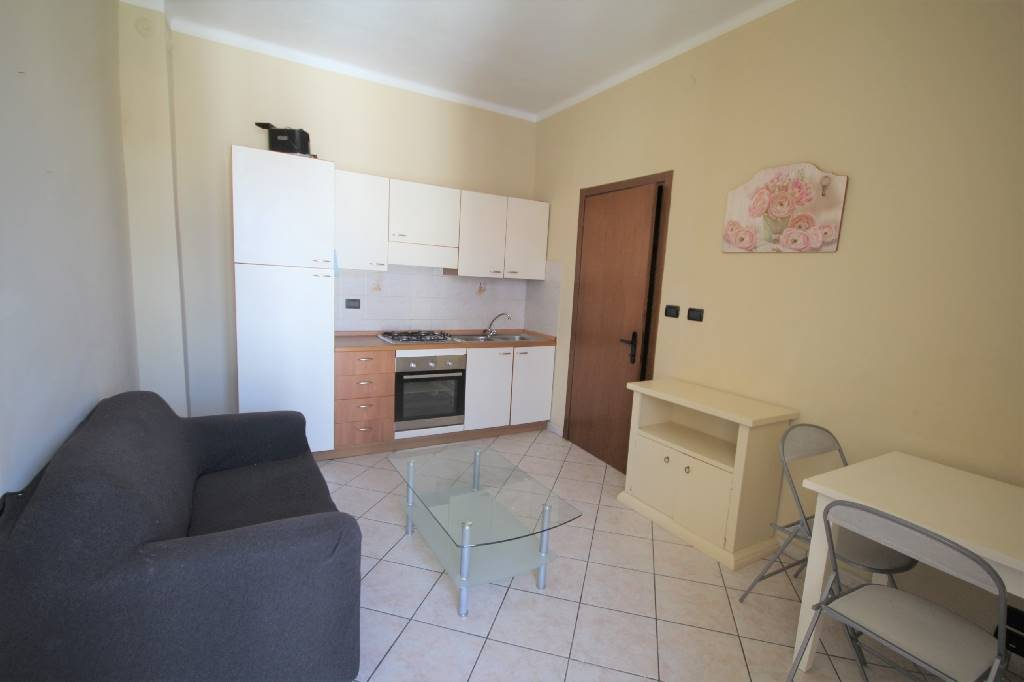 GHERBIANA, MONDOVI', Apartment for sale of 50 Sq. mt., Restored, Heating Centralized, Energetic class: E, placed at 3° on 3, composed by: 2 Rooms,