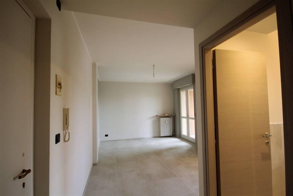 BOVES, Квартира в аренду из 55 Км, Отличное, Отопление Централизиванное, Класс энергосбережения: E, на земле Поднятый, состоит из: 2 Помещения,