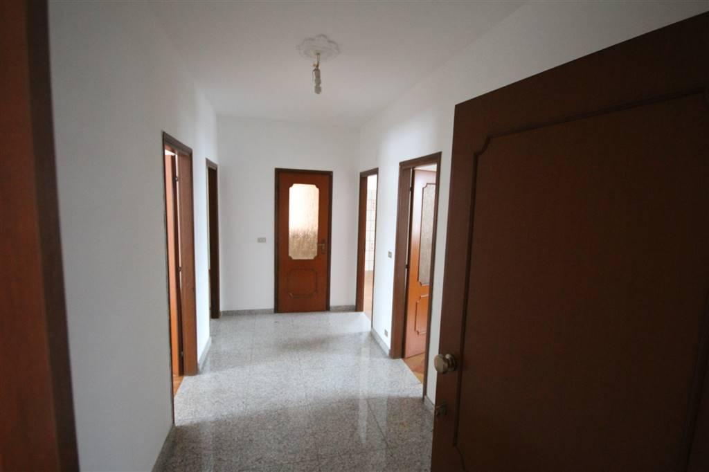 BORGO SAN DALMAZZO, Квартира в аренду из 85 Км, Xорошо, Отопление Централизиванное, Класс энергосбережения: F, на земле Цокольный, состоит из: 4