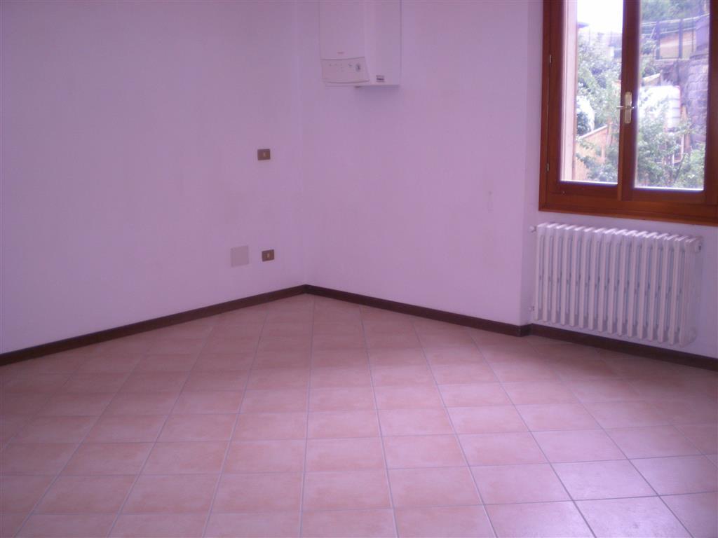 Ufficio / Studio in affitto a Castiglione dei Pepoli, 3 locali, zona Zona: Lagaro, prezzo € 290 | CambioCasa.it