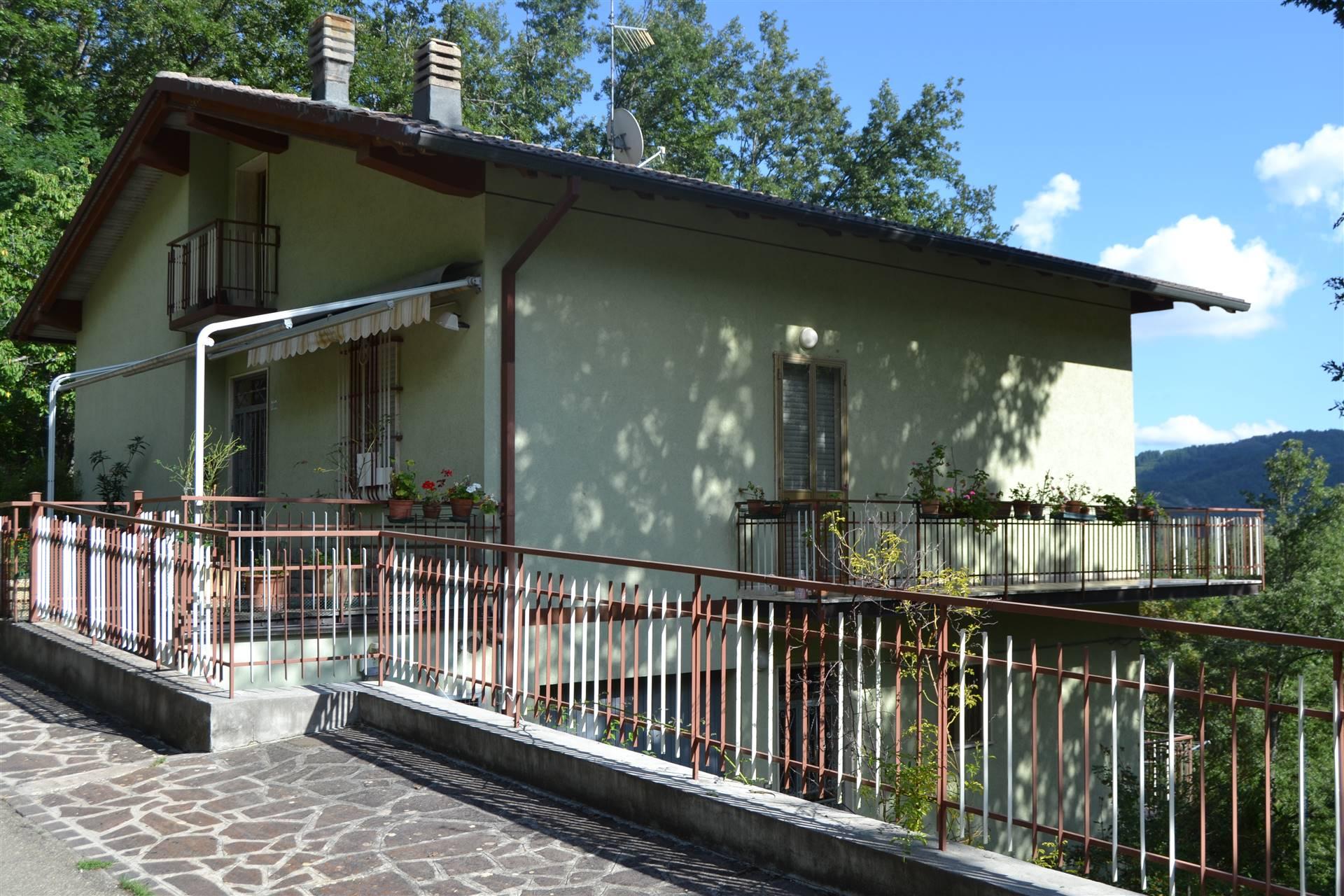 Villa Bifamiliare in vendita a Montese, 11 locali, prezzo € 140.000 | CambioCasa.it
