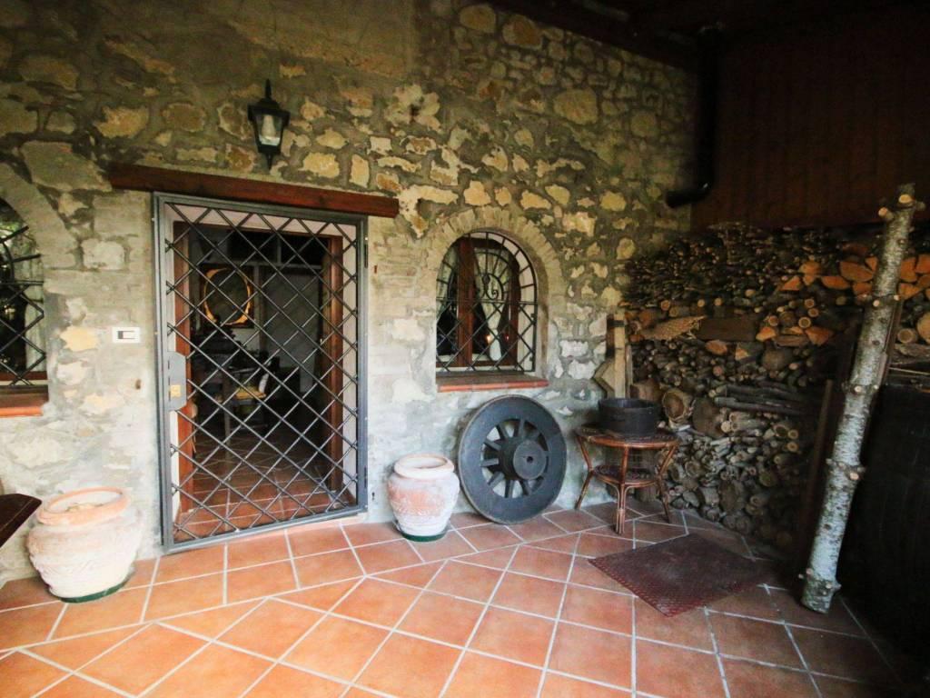 Appartamento in vendita a Grizzana Morandi, 3 locali, zona Località: RIOLA, prezzo € 130.000 | CambioCasa.it