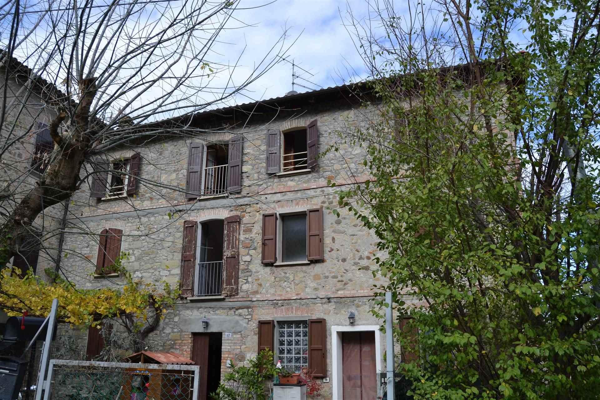 Appartamento in vendita a Marzabotto, 4 locali, zona Zona: Sperticano, prezzo € 65.000 | CambioCasa.it