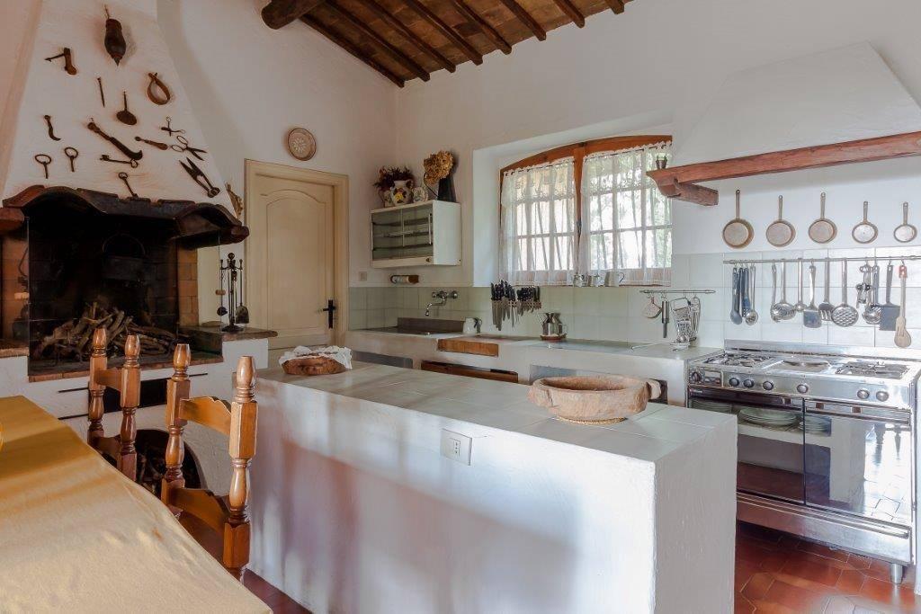 villa vendita baschi