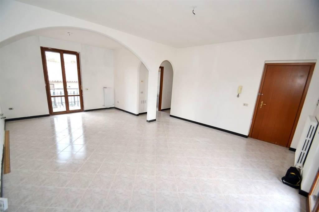 Vendita appartamento indipendente bagnoregio abitabile for Appartamento garage a piano singolo