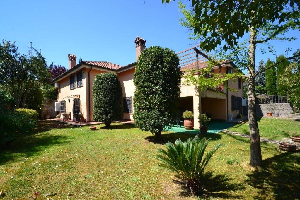 Villa, Fabrica Di Roma, in ottime condizioni