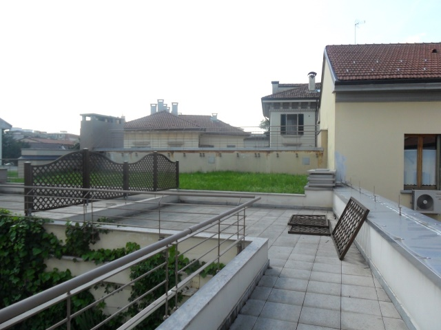 Attico / Mansarda in vendita a Monza, 4 locali, zona Centro Storico, San Gerardo, Via Lecco, prezzo € 950.000 | PortaleAgenzieImmobiliari.it