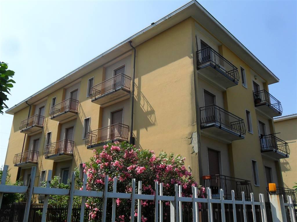 Appartamento in vendita a Arcore, 3 locali, prezzo € 150.000 | CambioCasa.it